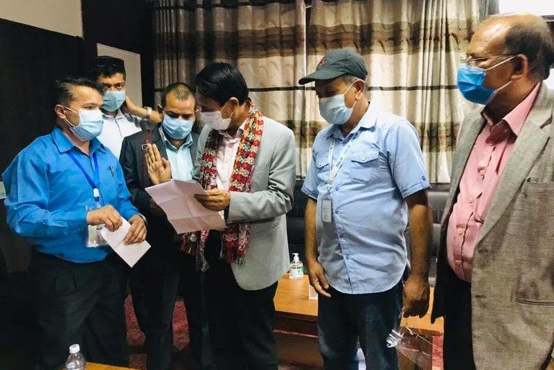 देशभरका ६० हजार मेकानिक्सलाई खोपमा प्राथमिकता दिने स्वास्थ्य मन्त्री तामाङको प्रतिबद्धता