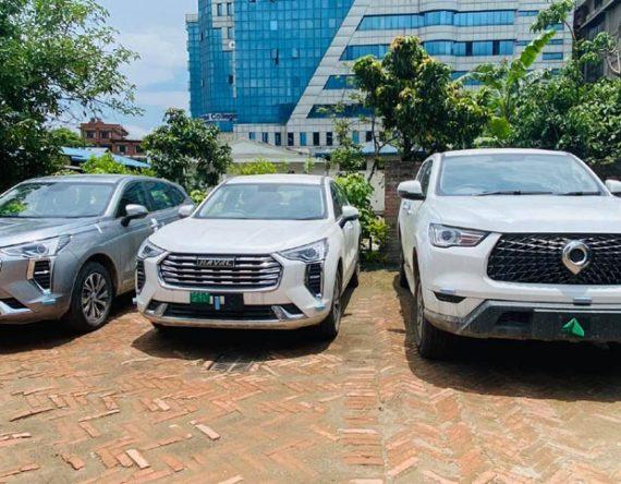 जीडब्लुएमका तीन गाडी भित्रिए नेपालमा : विश्वकै सस्तो इलेक्ट्रिक कार ओरा आर१  समेत ल्याउने