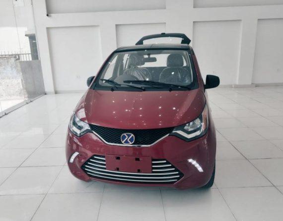 नयाँ भर्सनको इलेक्ट्रिक सोलार कार डेरी ईएम७ सोरुममा, सिंगल चार्जमा २६० किमी रेन्ज